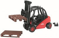 Bruder Linde  fork lift HD30 with tow-coupling and 2 pallets