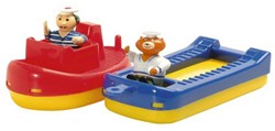 Aquaplay  Aquaplay badspeelgoed Sleepboot+schuit+2poppetjes