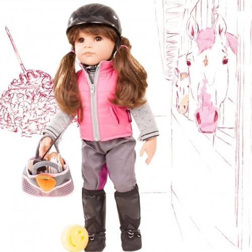 Götz pop Hannah loves horseback riding