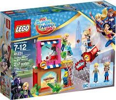 Lego  DC Super Hero Girls set Harley Quinn schiet te hulp 41231