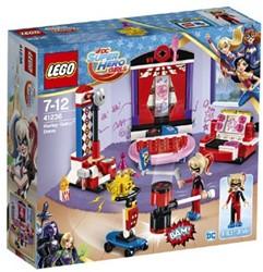 LEGO DC Super Hero Girls Harley Quinn nachtverblijf 41236