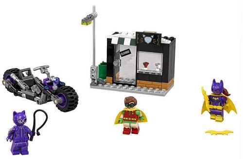 Lego  Batman set Catwoman Catcycle achtervolgin 70902-3