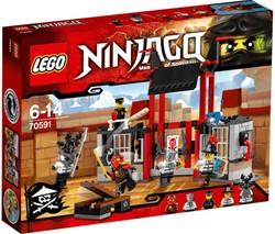 Lego  Ninjago set Ontsnapping uit de kryptarium 70591