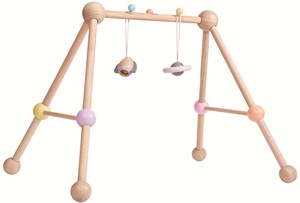 Image of Plan Toys houten pastel Baby Gym 5260