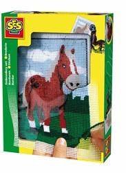 Ses knutselspullen Borduren paard